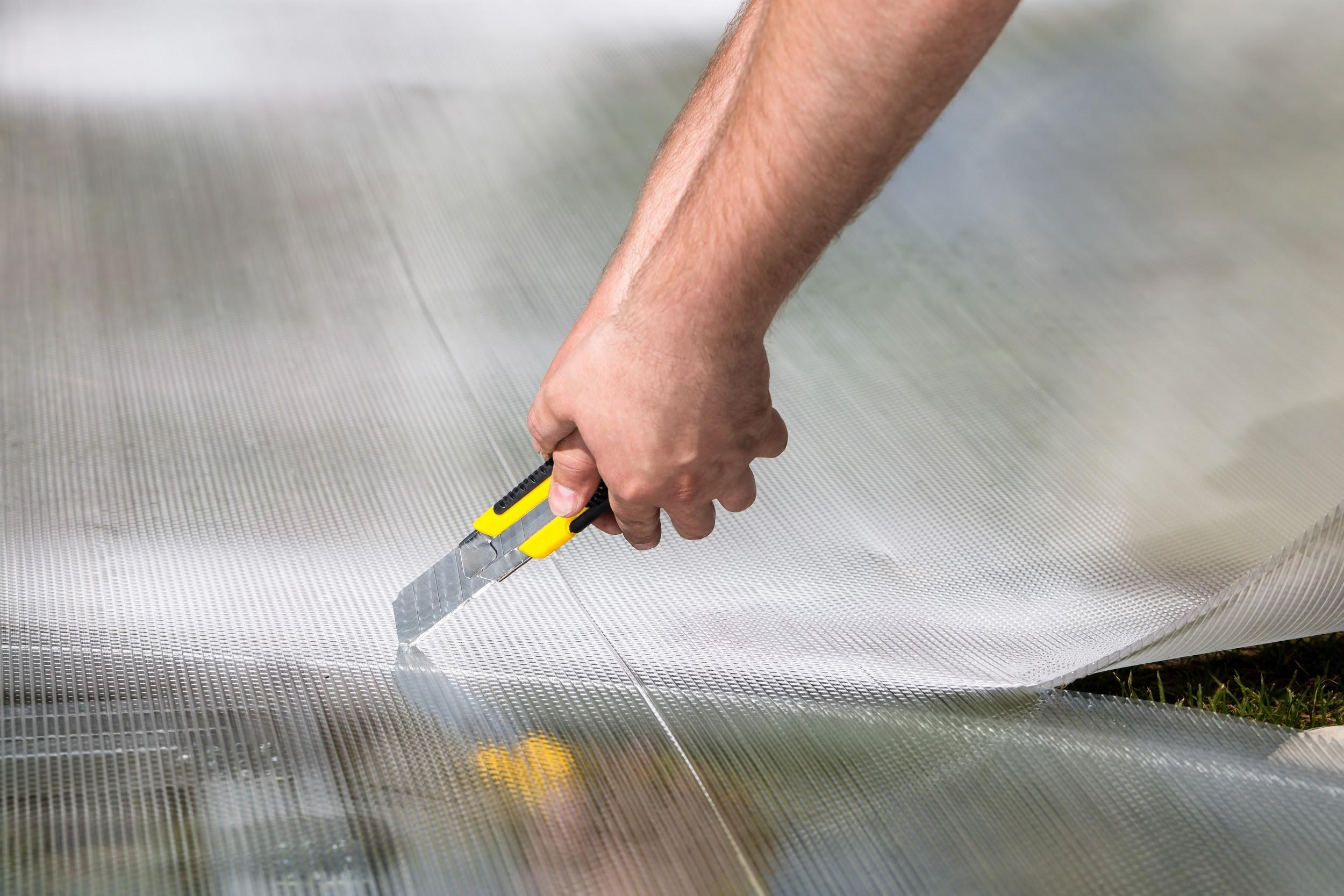 Как правильно резать сотовый поликарбонат?